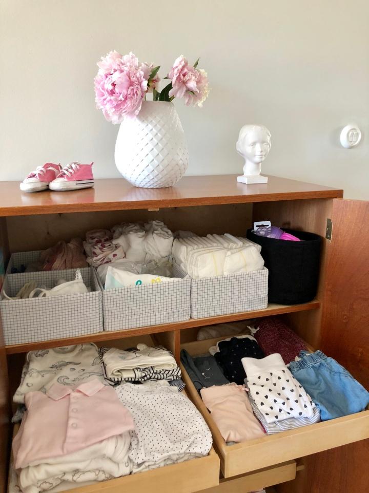 Koti muutoksen kourissa – mistä tilaa vauvanvaatteille ja-tarvikkeille?